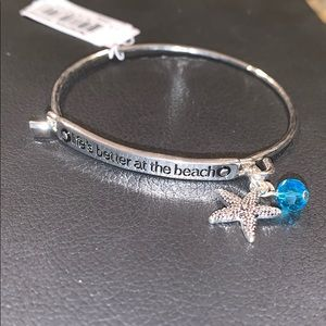 Hook bracelet with starfish and blue stone